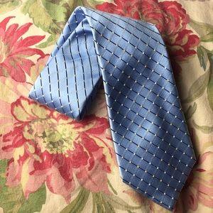 GEOFFREY BEENE 100% silk Tie BLUE etch square $128